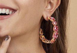Modni detajl: barviti okrogli uhani