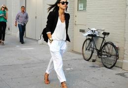 Prednosti in šibke točke belih poletnih hlač