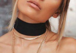 Choker ogrlice ostajajo v trendu