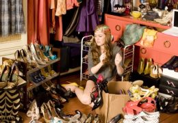 """""""CONFESSIONS OF A SHOPAHOLIC""""  Isla Fisher  Ph: Robert Zuckerman  © Touchstone Pictures and Jerry Bruckheimer, Inc.  All Rights Reserved."""