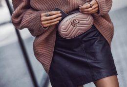 Poletni kosi v kombinaciji z zimskim puloverjem