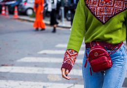 Rdeče torbice kot pika na i tokratni zimski modi