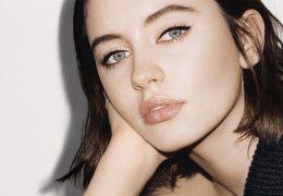 Nova Burberry makeup kolekcija s cat eye efektom